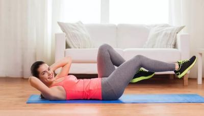 Фитнес для ног, выполняемый на спине